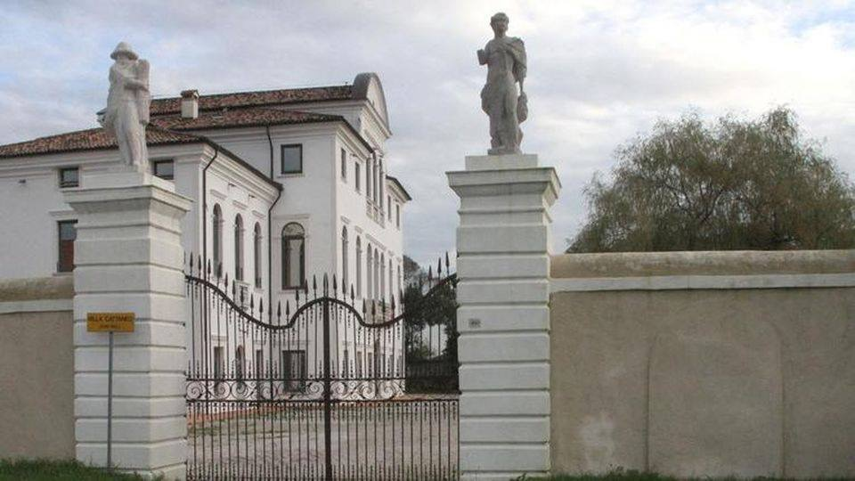 You are currently viewing VILLA CATTANEO – PARTE 2
