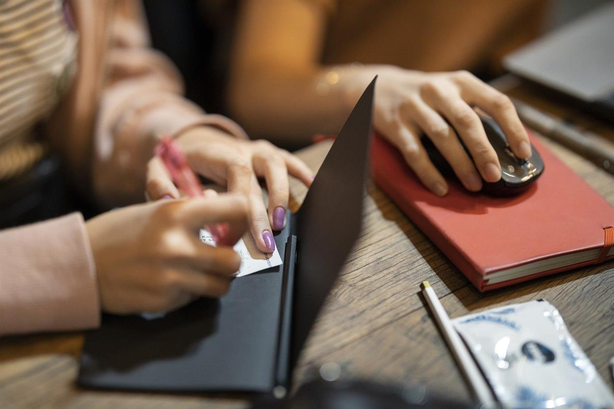 Scuola digitale ed approcci informali