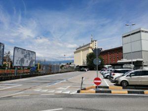 Read more about the article La scelta delle strisce blu  nel parcheggio della stazione funziona?